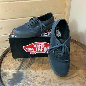 Vans black unisex sneakers SZ women 8.5 men 7 NEW